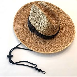Dorfman Pacific straw hat with chin strap size S/M